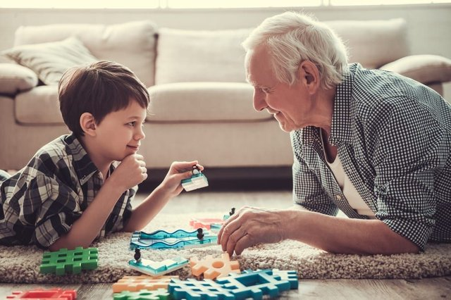 This is what you need to know about grandparents being able to babysit their grandchildren (Photo: Shutterstock)