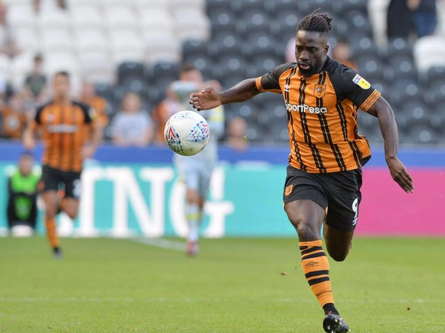 Hull City look likely to part companywith striker Nouha Dicko on a permanent basis this month, and are ready to listen to offers for the forward currently on loan with Vitesse.