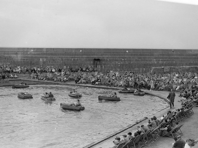 North Shore boating pool in its 1940 heyday