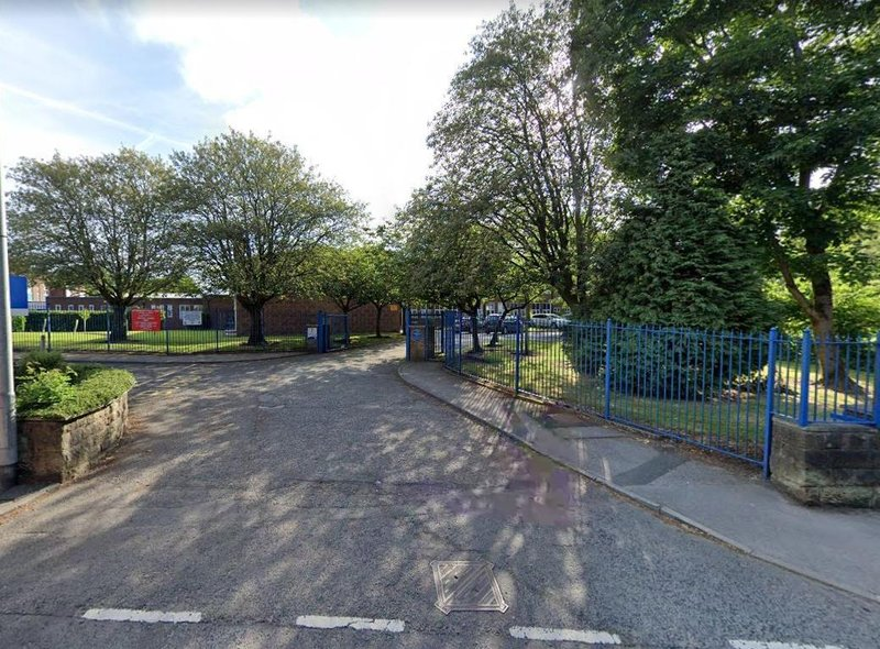 A case of COVID-19 has been confirmed at Albany Academy in Chorley on Wednesday, September 30, 2020, forcing a number of children to stay at home and self-isolate for 14 days. Headteacher Peter Mayland said parents of the affected children have been informed by letter, with guidance on how they should remain indoors and avoid social contact for 14 days.