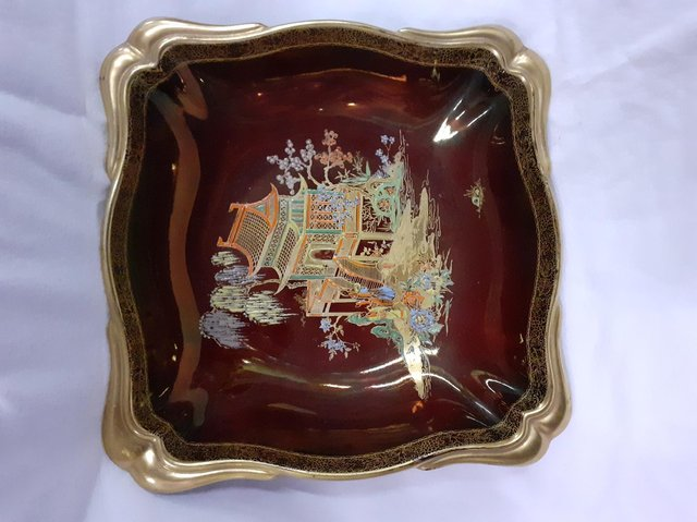 This dish is a lovely example of Rouge Royale. It is 55 pounds