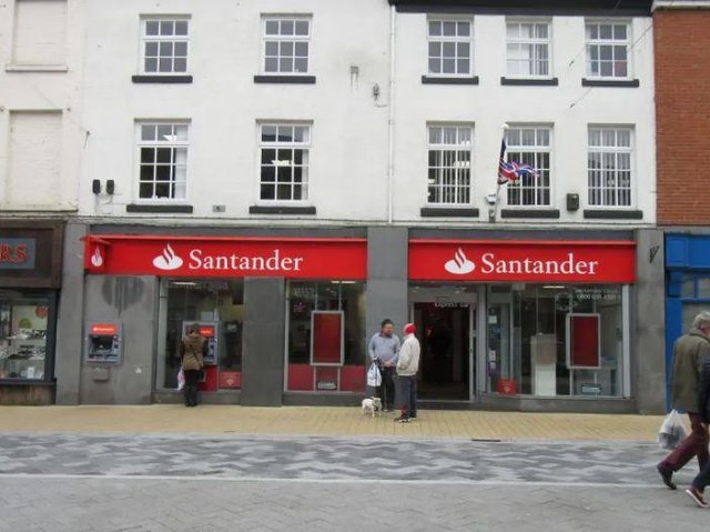 Santander Bank Closed In Chorley Due To Covid 19 Lancashire Evening Post