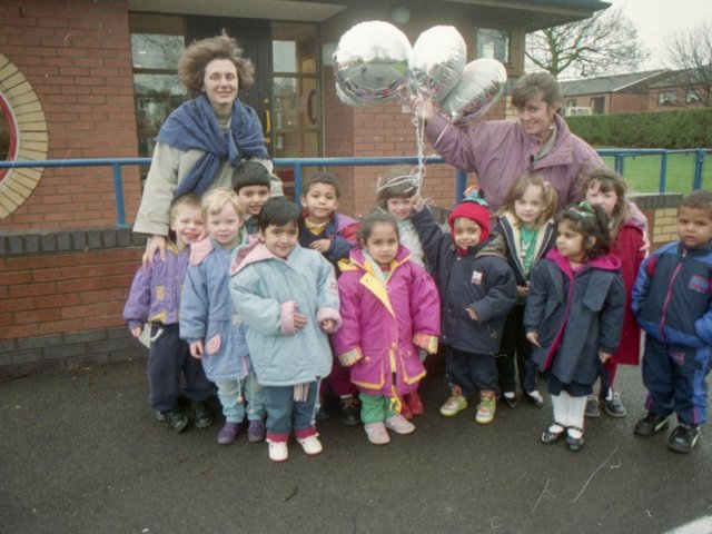 Children from a Preston school are hoping to get a message overseas after releasing balloons into the sky. Youngsters from St Stephen's Primary School, South Meadow Lane, Preston, released eight helium-filled balloons as part of a science experiment. They released four balloons from their playground and let the rest go from Avenham Park, Preston