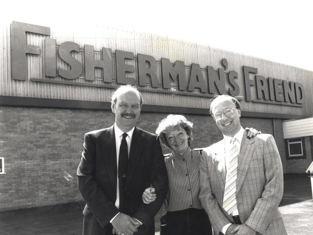 Doreen Lofthouse with husband Tony Lofthouse (Left) and son Duncan Lofthouse outside the Fleetwood base in 1990.