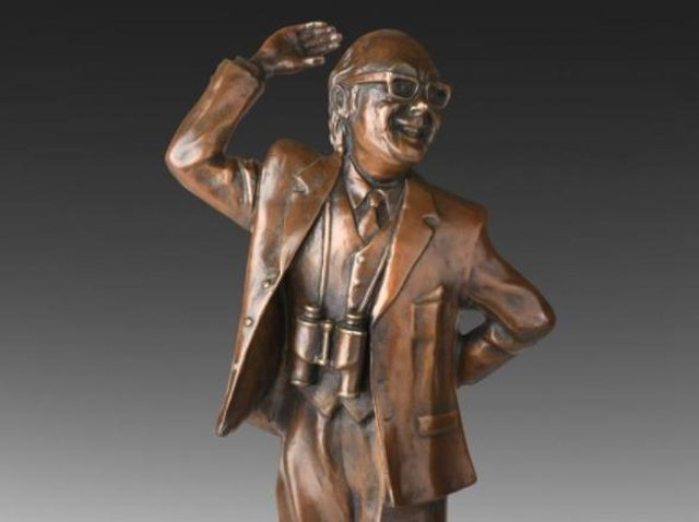 Graham Ibbeson's Eric Morecambe maquette.