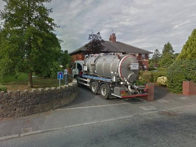 A United Utilities tanker negotiates the current narrow access road to the Wilpshire Wastewater Treatment Works off Ribchester Road in Clayton-le-Dale (image:  Google)