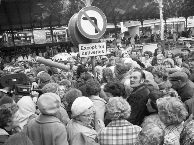 Shoppers in Preston gather to claim their free eggs