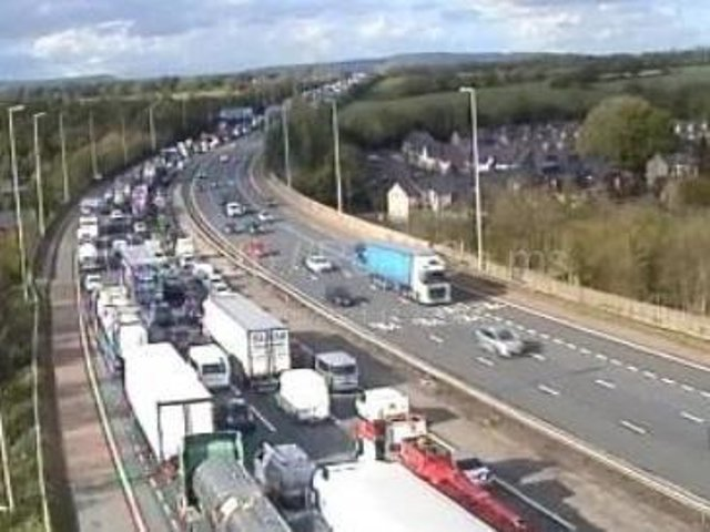 There are delays of up to an hour on the M6 tonight