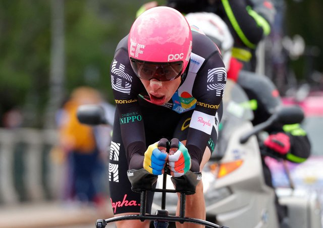 Team EF Education rider Hugh Carthy is in action in the Giro d'Italia (photo: Getty Images)