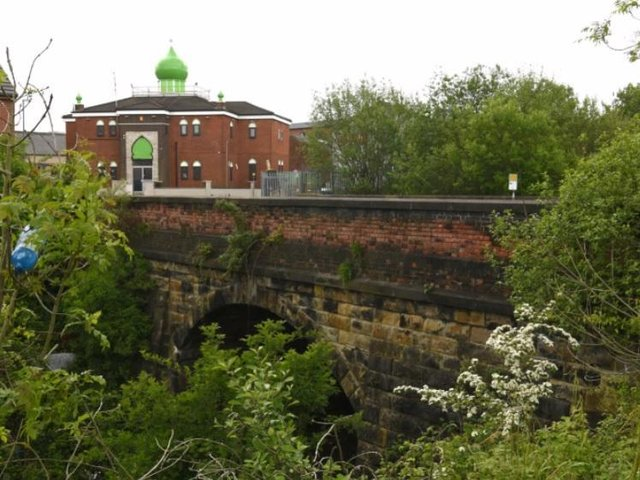 Removal of the brick parapets on both sides of the bridge will mean closing the road for six weeks.