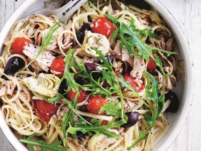 Linguine with tuna, tomatoes and  chilli