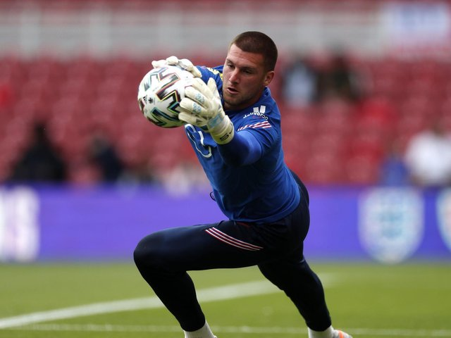 Sam Johnstone warms-up ahead of his England debut