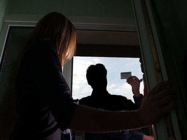 Homeowners in Lancashire have been conned out of thousands of pounds by cold callers who offer to do jobs but never finish them or fail to return