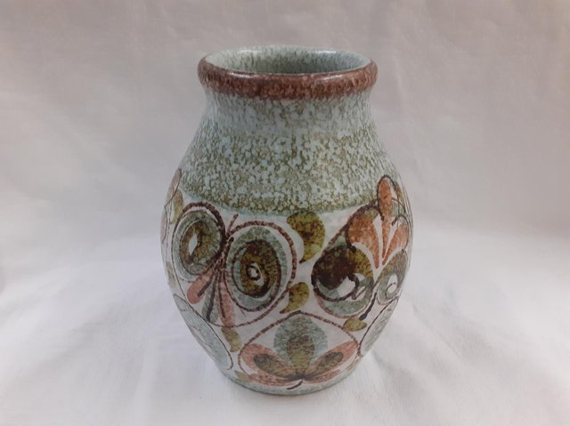 This jug is a lovely example of Glyn Ware design. It is on sale for 48 pounds