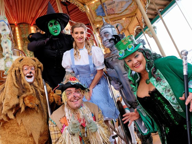 Tom Rolfe Productions presents the cast of the Wizard of Oz at North Pier
